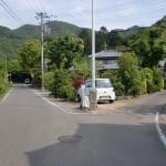 県道1号線の大坂峠遍路道への分岐地点の画像