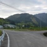 三島小学校先の農道分岐(鬼北町)の画像