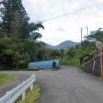 戸祇御前山登山口の林道入口のT字路の画像