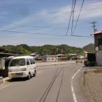 朝倉支所から笠松山登山口に行く途中にあるT字路の画像