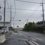 国道11号線から豊受神社に入る交差点の信号地点の画像