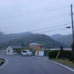 田野々バス停の50mほど先の左カーブ地点の画像