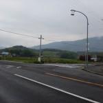 長野口バス停そばにある香川用水記念公園方面に入るT字路の画像