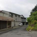 箸蔵駅前の路地の画像