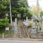 春光寺の墓地の画像