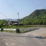 富田中から南川自然の家に行く途中にある橋の手前の分岐