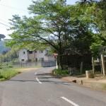 南川自然の家の南にある大森神社前の分岐