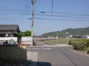 JR讃岐津田駅北側の路地