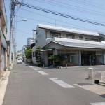 八栗駅から八栗寺へ向かう途中のT字路