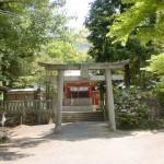 神谷神社本殿前