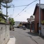 国分駅北側の路地の先のT字路(国分寺手前)
