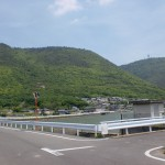 神崎池手前のT字路