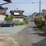 菅田下町バス停から神南山権現登り口に行く途中のT字路