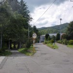仲仙寺の入口前の3本分岐