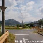 大和中学校(光市)前の農道の北側で県道63号線と出合う所