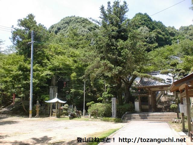 三ヶ岳と大師山の登山口 金剛寺にアクセスする方法