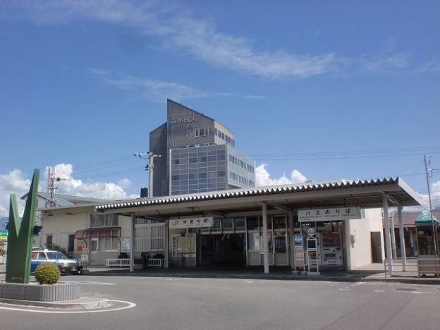 JR伊那市駅と伊那市駅前バス停