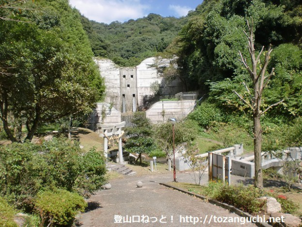 正蓮寺烏帽子公園(烏帽子岳登山口)