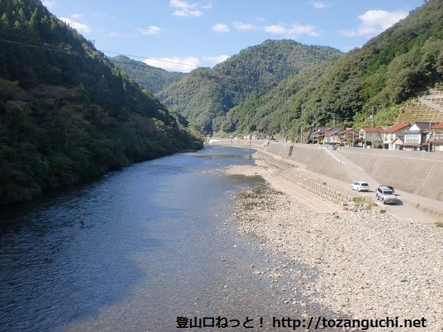 南桑駅の鉄橋から見下ろす錦川