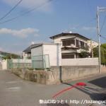 阪急山本駅北口から住宅街に入ってすぐの分岐