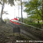 大林寺下の石段を登るところ