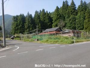 一位ヶ岳の椎ノ木ルートの入口