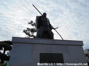 紀伊田辺駅前の弁慶像