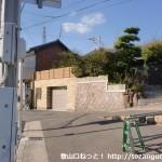 堂ノ下バス停(神戸市バス)のすぐそばの路地に入るところ