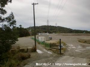 阿武山口の工事現場から見る阿武山