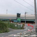府道79号線が名神高速をくぐるところ