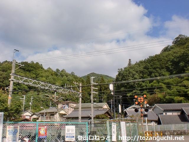 南海電鉄の天見駅から見る旗尾岳