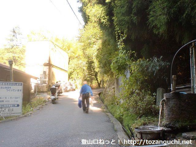 金剛登山口にある黒栂谷道の入口