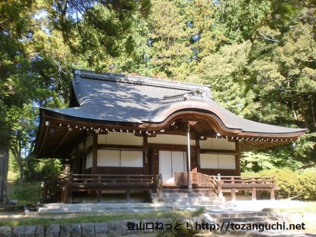 西行ゆかりの弘川寺(本堂)