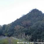 永楽池から雨山に向かう登山道