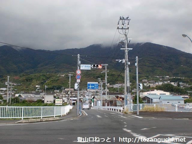 龍門山の登山口 龍門橋南詰交差点にアクセスする方法