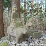 熊野古道の牛馬童子像