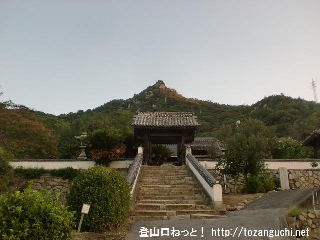 地蔵院から見る黒滝山