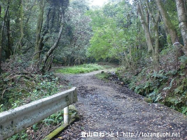 芳山の登山口 柳生街道(東海自然歩道)にアクセスする方法