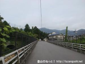 広島工大上バス停そばの国道2号線のバイパスの高架