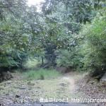 鎌倉寺山の牛岩登山口(林道終点)