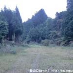黒石山(東吉野村滝野)の登山口前の駐車スペース
