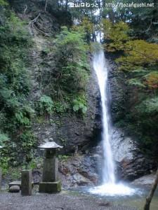 東吉野村の滝野にある投石の滝