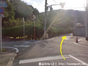 京阪電車の私市駅東側の4差路
