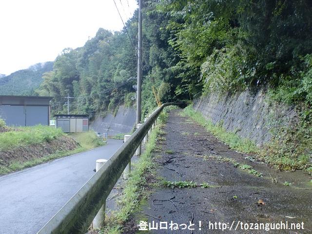 鳥見山と高束城跡の登山口 口倉神社にアクセスする方法