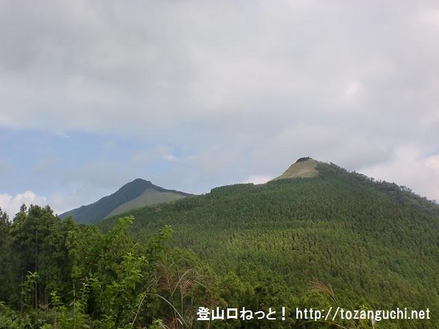 長尾峠から見る亀山と倶留尊山方面