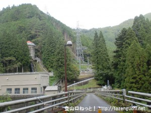 天和山・滝山の登山口となる和田の発電所