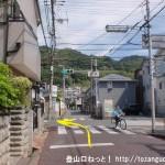 近鉄の堅下駅東側にある大県の交差点を左折