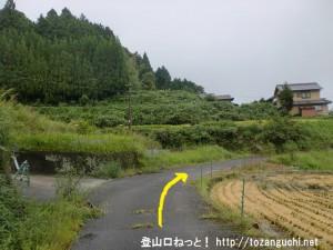 十八神社入口前の小路