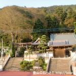 与瀬神社と慈眼寺の入口前