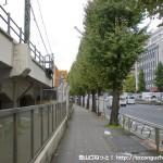品川駅西口前の第一京浜国道の歩道